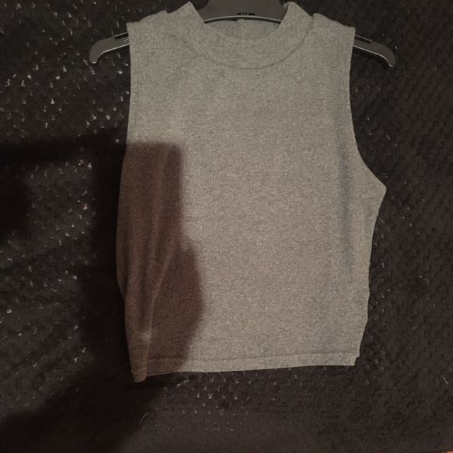 grey knit crop top