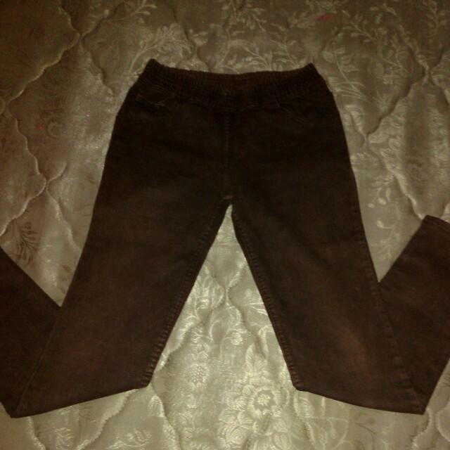 Jeans warna dark brown