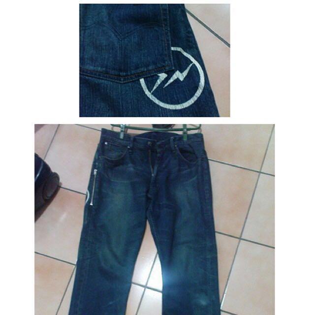 Levi's閃電褲⚡️(降價)