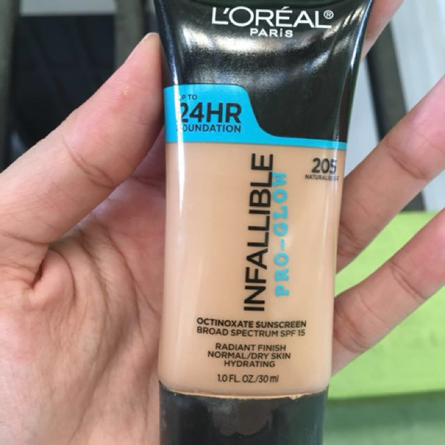 L'Oreal Infallible Pro-Glow Foundation Shade 205 (Loreal)