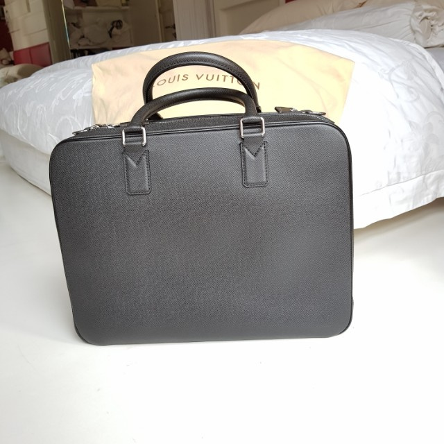 b0dda028d Louis vuitton Taiga Leather Grey Mens Briefcase, Men's Fashion, Bags ...
