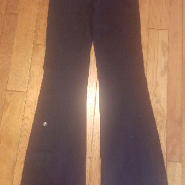 LULULEMON GROOVE YOGA PANTS