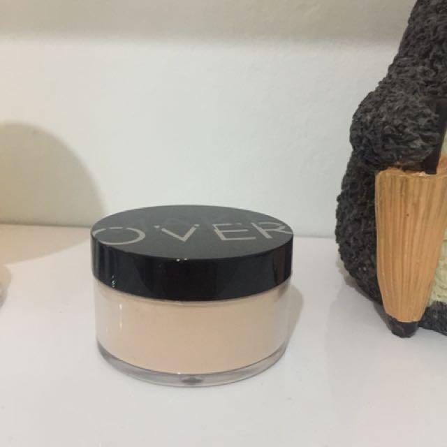 Make Over Silky Smooth Translucent Powder 01 Porcelain