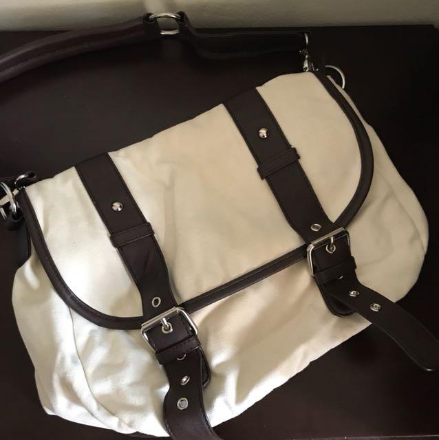 Mooloola Canvas Satchel Bag - Great condition