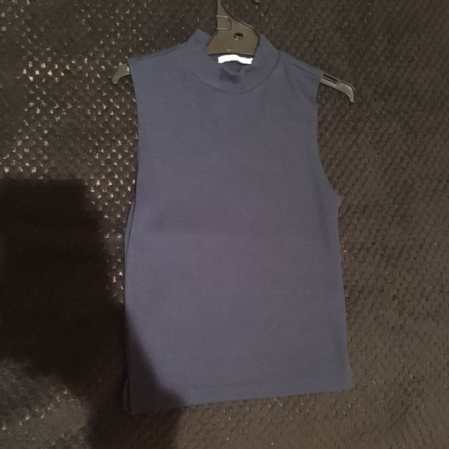 navy knit sleeveless top (AU6)