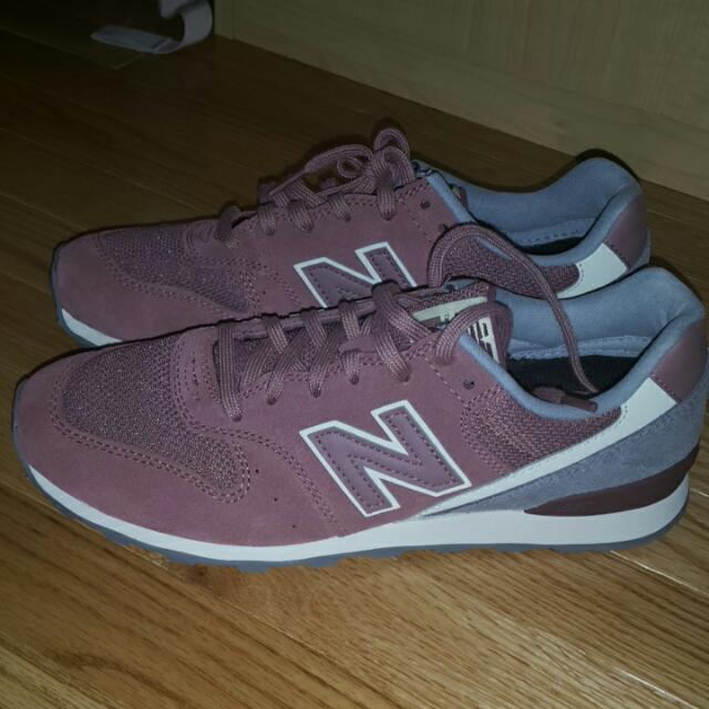 NB New Balance : Grey And Dusty Pink With Rosegold Threading