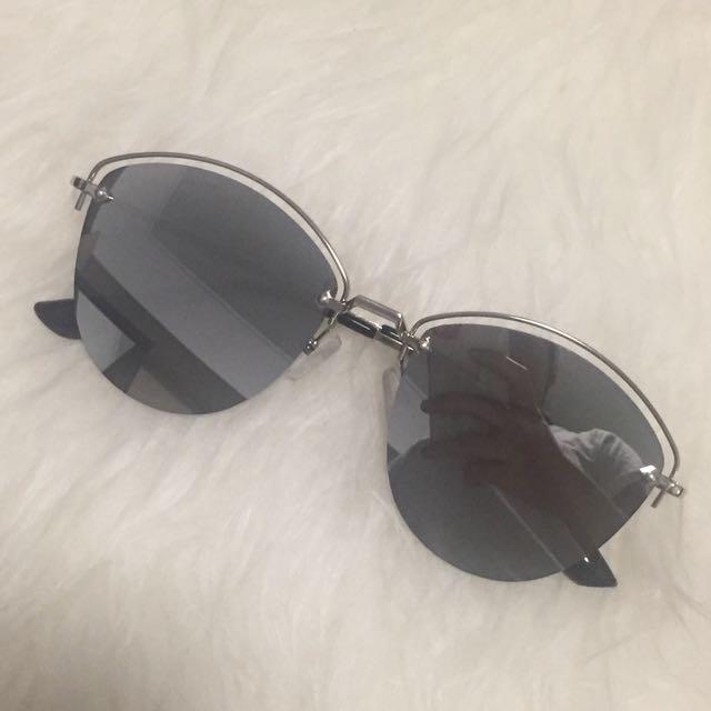 NEW! Reflective Silver Sunglasses