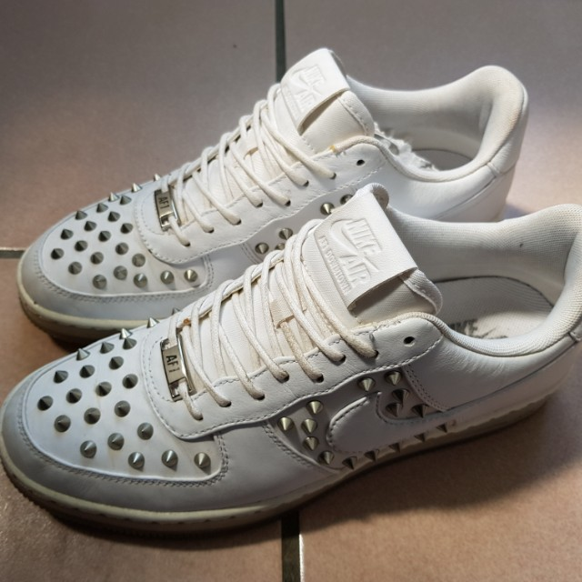 NIKE 鉚釘鞋