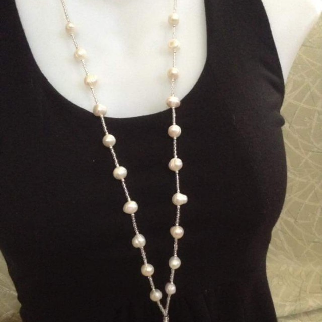 Pearl ID lace, key holder, wallet holder, pearl lanyards.