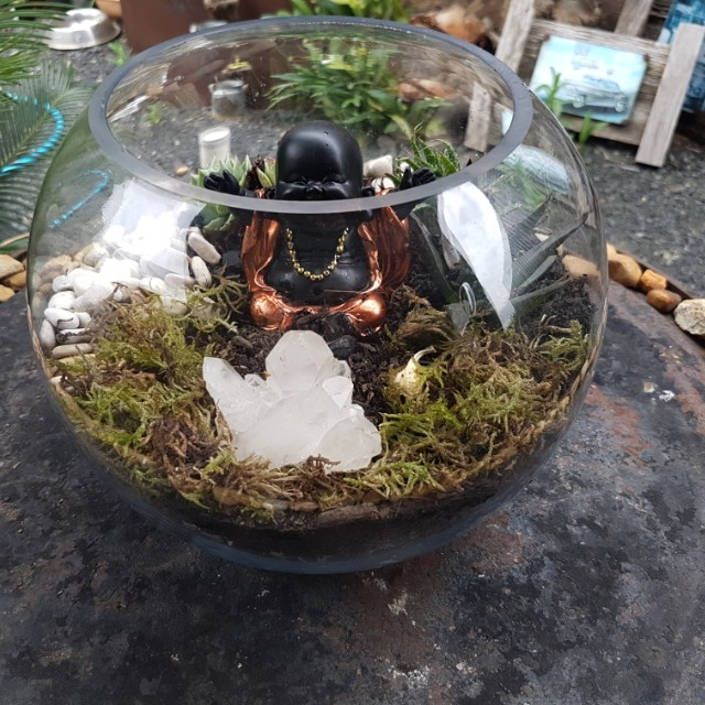 Round fishbowl memorial crystal garden