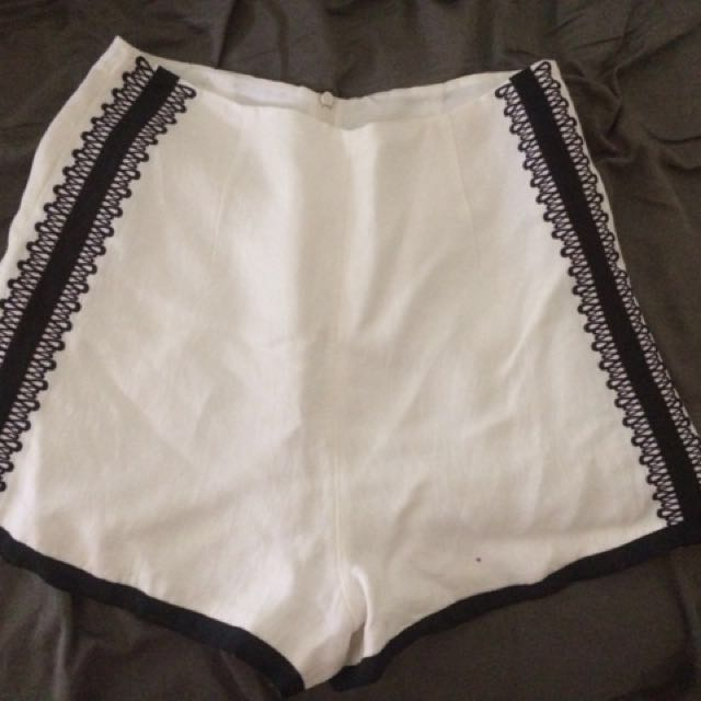 Sass And Bide short