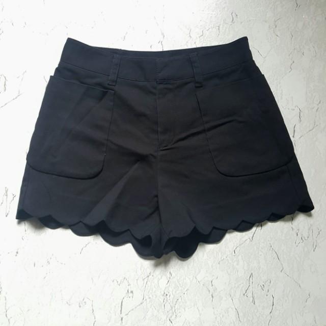 Scallop Highwaisted Shorts