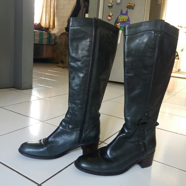Sepatu Boots tinggi keren utk wanita, Women's Fashion, Women's Shoes on Carousell