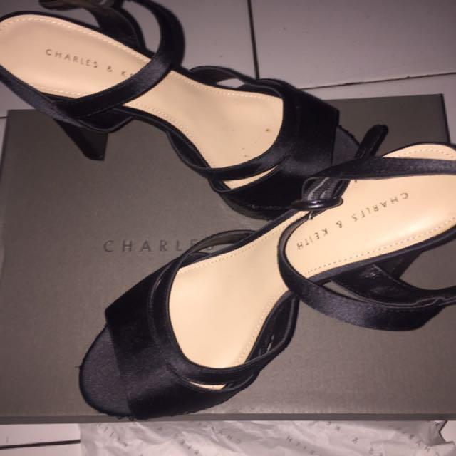 sepatu CHARLES   KEITH Original dc1ca0f8d3
