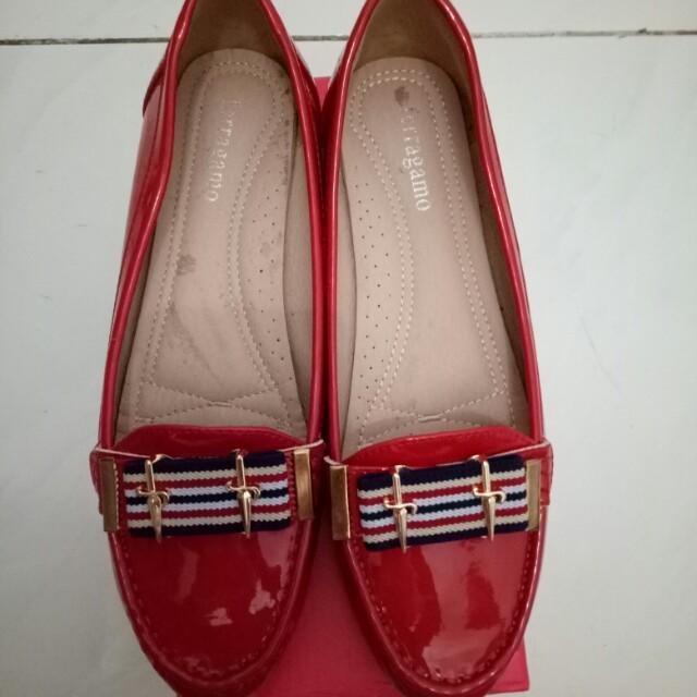 Sepatu salfatore ferragamo