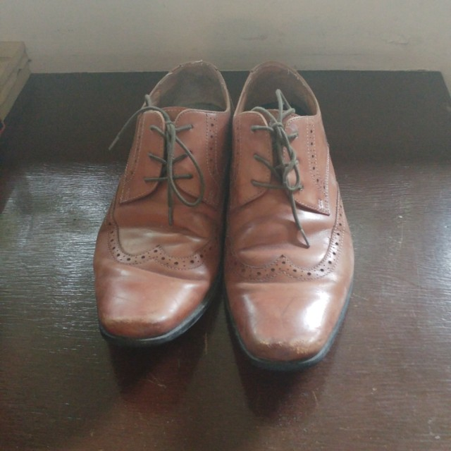 Size 8 leather Brogue Shoes