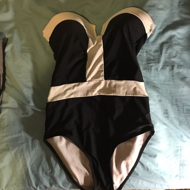 Strapless One Piece swimmers