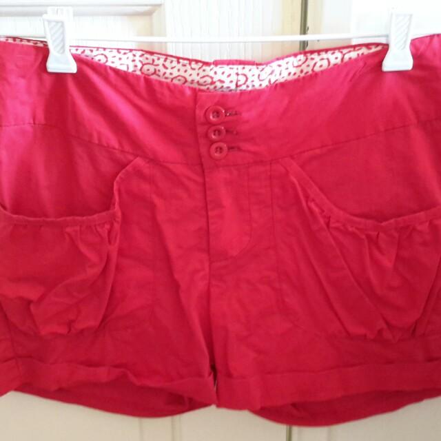 Temt shorts size 8