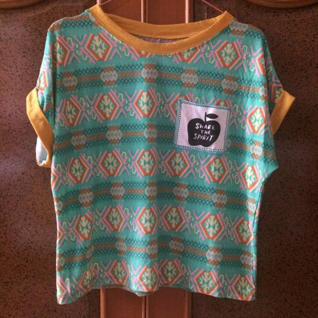UNBRANDED Green Tribal Tees Size fit to M