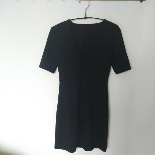 Zara Vneck Dress size XS