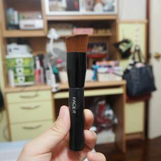 The Face shop Face it buffer brush