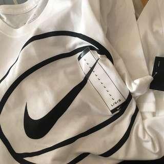 BNWT S:L basketball ball shirt