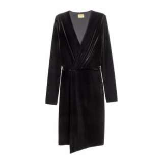 H&M - Black V-Neck Velour Wrap Dress (US4)