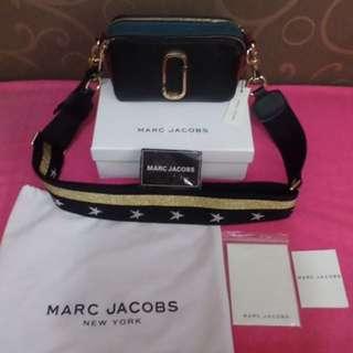 MARC JACOBS SNAPSHOT BAG (BLACK STAR)
