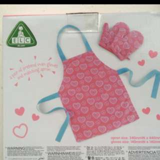 Brand new BN elc apron gloves set little chef not mothercare