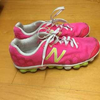 New balance 女慢跑鞋