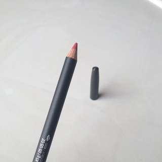 Mac Lip Pencil Ruby Woo