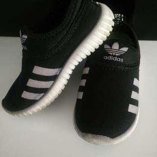 kasut sport untuk boy 2/3y