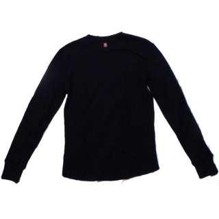 Hanes Black longsleeved shirt   Fits XS-S
