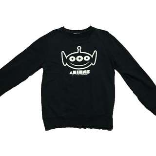 Black Toy Story Aliens pullover   Fits S  250php ❤