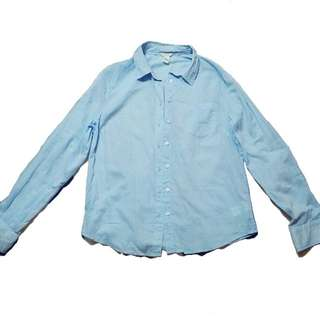 Forever 21 button-down shirt   Size on tag M *mej manipis tela