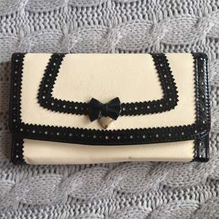 Forever New Black and White Purse