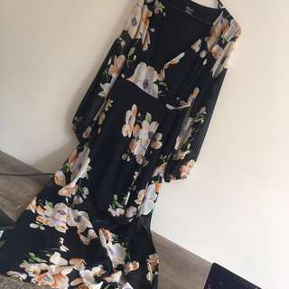 Brand new floral wrap dress size 12-14