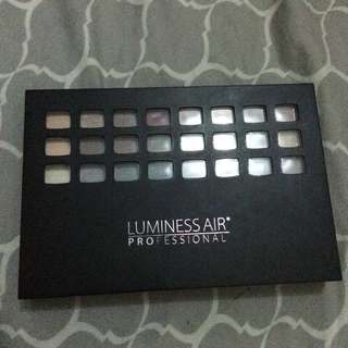 Authentic Luminess Air Professional Make up