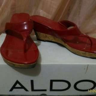 Aldo  wedge (Red Lovick-62) size 37
