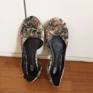 New open Mitju flat shoes