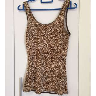 Leopard print tank top and Bra