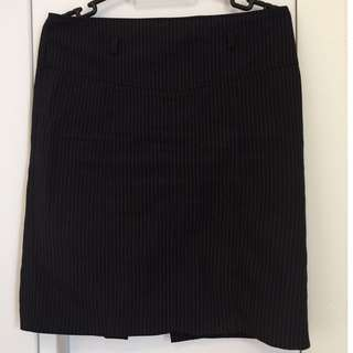 Black striped short pencil skirt