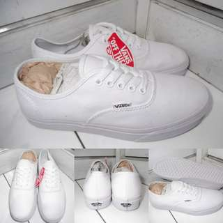 Sepatu Kets Sneakers Vans Authentic Classics Canvas True White Putih