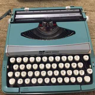 Working typewriter - Barely used