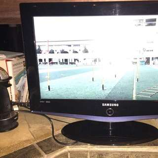 """1)Samsung 26"""" HD TV : -LA26R71BAX/ SAP -5 years old. -Condition 8.5/ 10. -With Remote Control. -$75."""