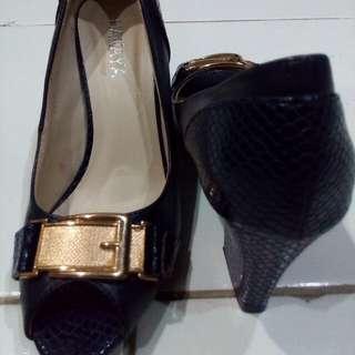 Sepatu kulit heels