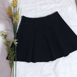 Topshop - Black Skater Skirt