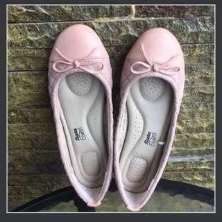 SALE!! Bata Comfit Pink