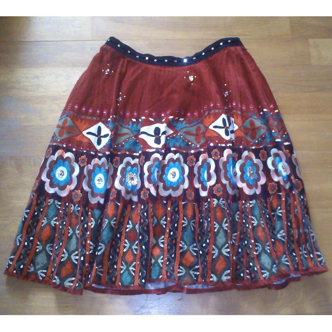 法國 Ruby Red 精緻亮片圖騰設計師及膝裙