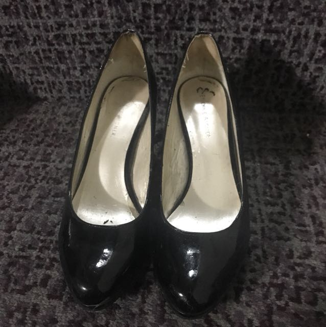 Aigner heels authentic 37